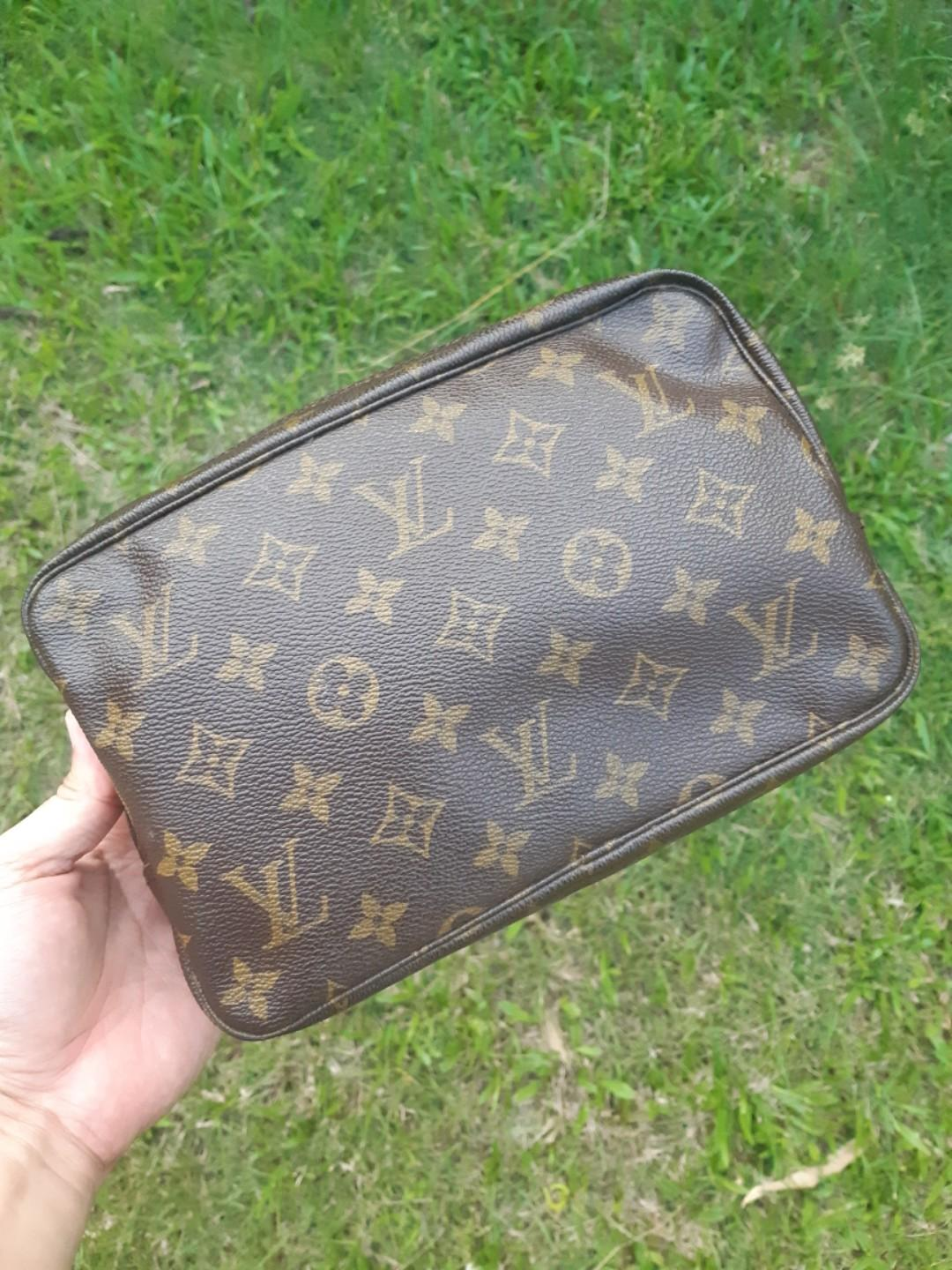 Louis Vuitton Clutch Bag vintage Louis Vuitton monogram TROUSSE 23 cosmetic bag