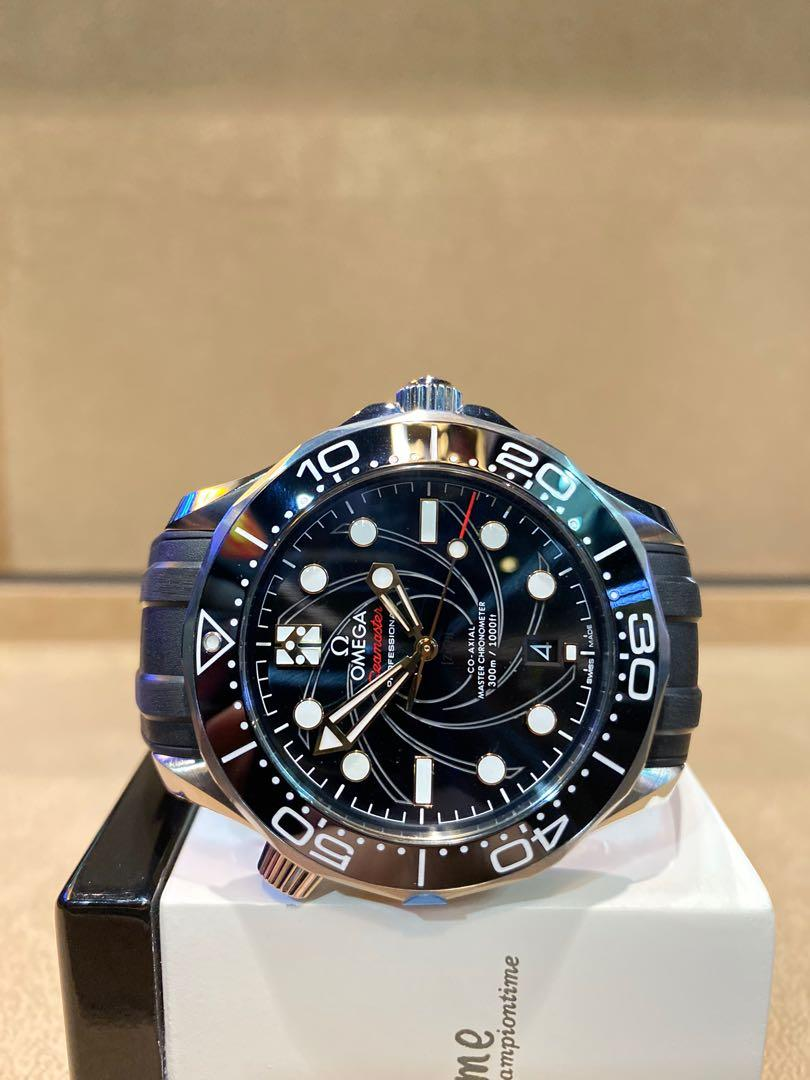 """Pre Owned Omega Seamaster Diver 300m """"James Bond"""" 210.22.42.20.01.004 Black Dial Automatic Steel Casing Rubber"""