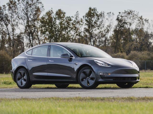 Tesla Model 3 Standard Range Plus Auto