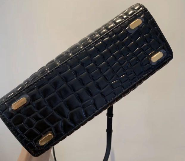 Authentic Tory Burch Lee Radziwill in crocodile sling sling crossbody bag handbag