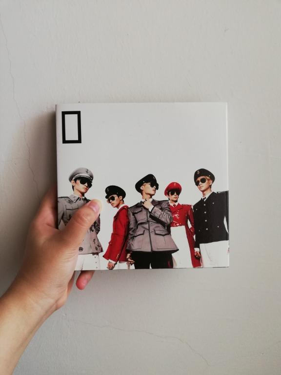 SHINee Everybody 5th Mini Album With Onew Standee (No Photocard)