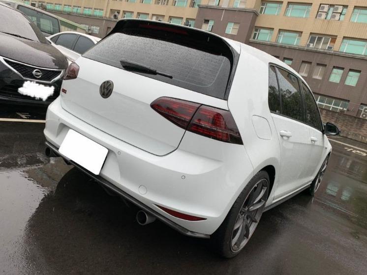 Volkswagen 福斯 Golf GTI