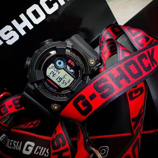 100% Authentic new Casio G-Shock Stussy Bape collaboration Frogman GF-8250BS Watch band and bezel with studs Extremely rare