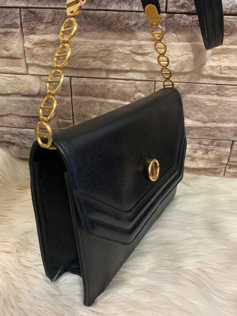 Dior sling bag original full leather, kondisi 90% OK, hardware kinclong, 23 x 18 x 6 cm, bag only serius aja!!