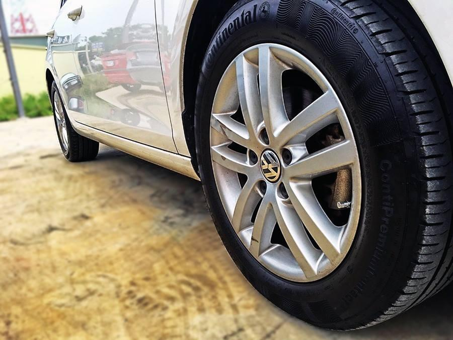 FB搜尋:唐老大.二手車庫 Volkswagen Golf 2010柴油款 手自排 1.6L