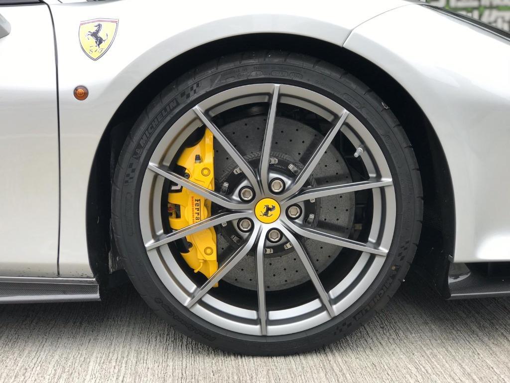Ferrari 488 PISTA Auto