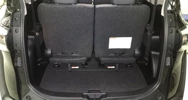 Jc car  Toyota Sienta 2019年 1.8L 七人座 頂級電滑門 影音 恆溫 IKEY 女用一手超低里程