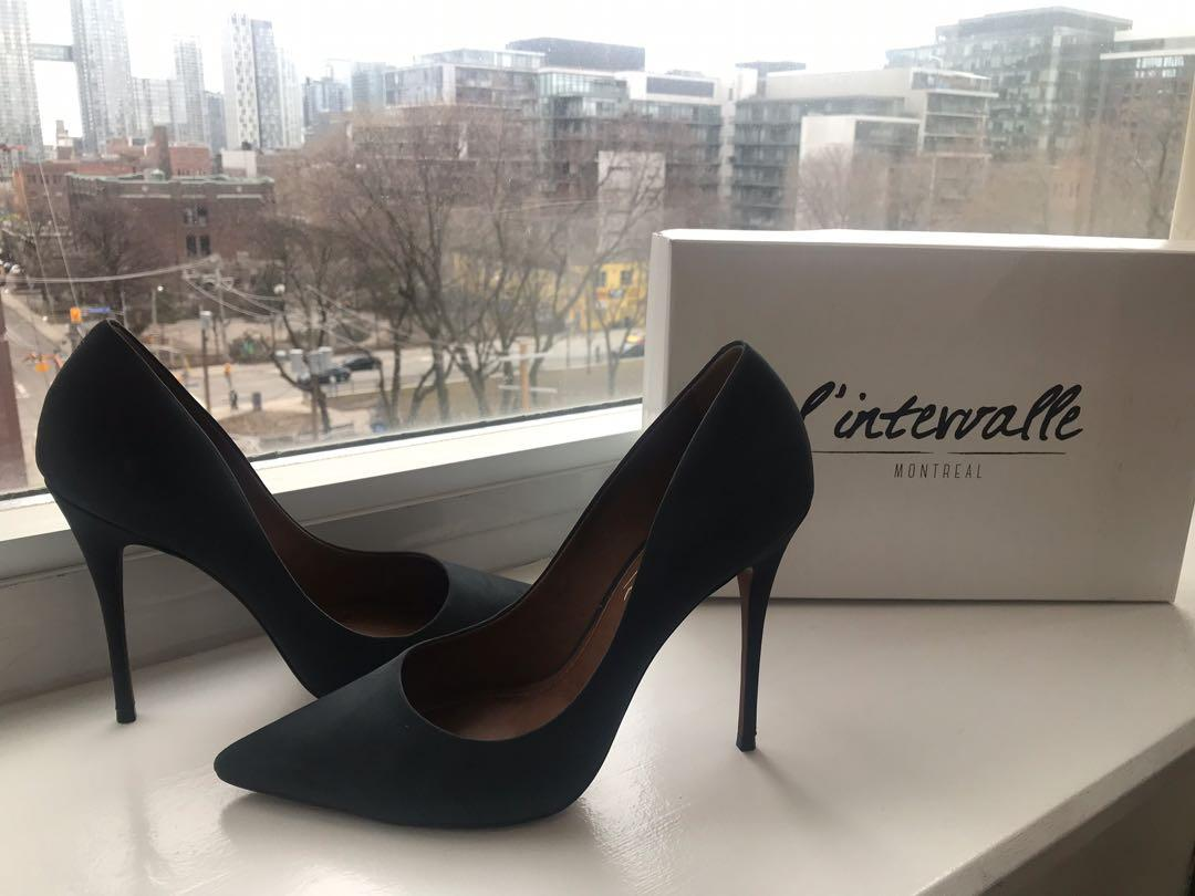 New In the Box L'Intervalle Teeva Dark Grey Nubuck Pump Size 8