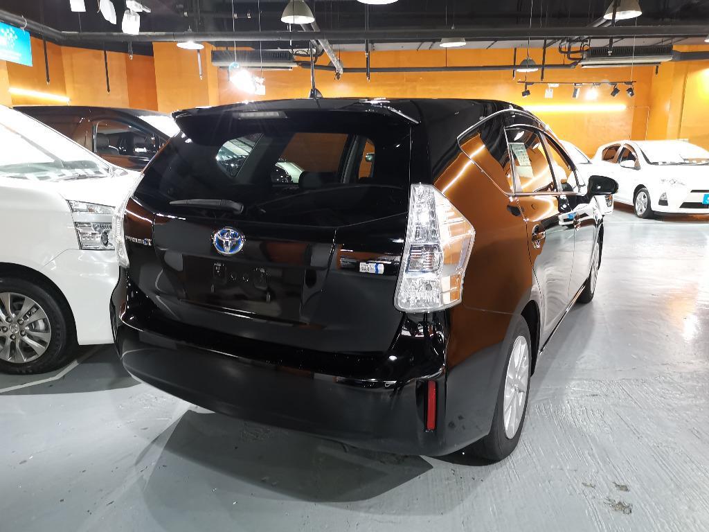 Toyota Prius V S Auto