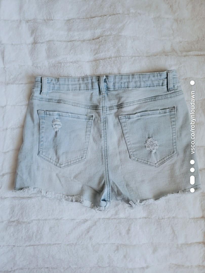 BUNDLE Navy blue striped t-shirt + light wash denim jean shorts