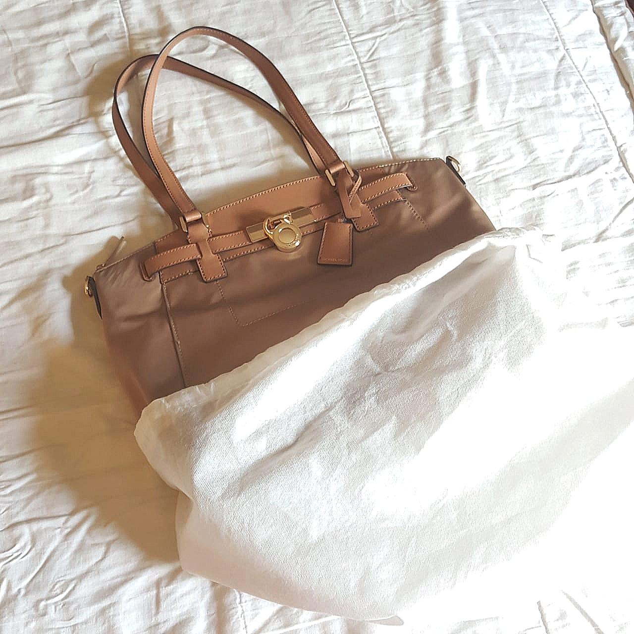 Michael Kors hamilton nylon khaki messenger totebag w/ long strap ORIGINAL FROM STORE (NEW/no stain/no defect)