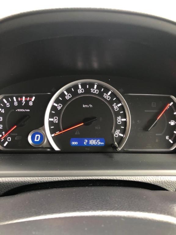 Toyota Noah Deluxe 2015 Auto