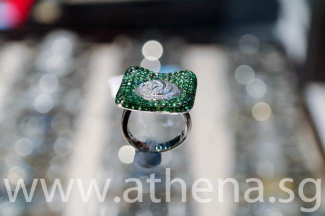 WL_DR_020 JEWELLERY 18K/W FANCY DESIGN DIAMOND EMERALD RING WITH 57 PIECES OF DIAMONDS (TOTAL APP - 0.37CT) 156 PIECES OF EMERALD (TOTAL APP -3.52CT) 10.50G