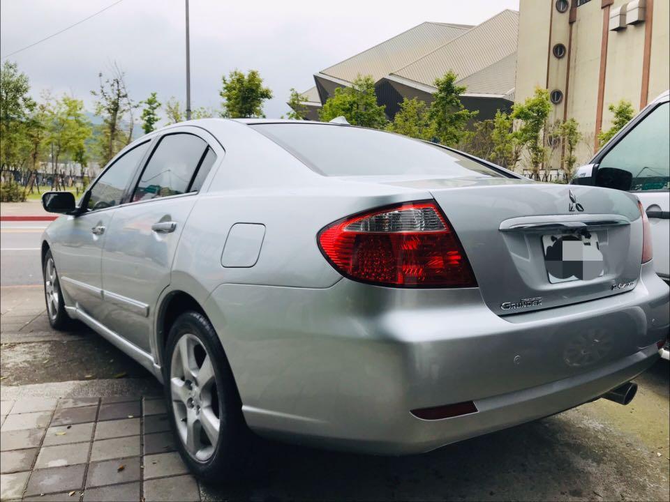 2005年 三菱 grunder 2.4 天窗雙安 (繳2.0稅金)