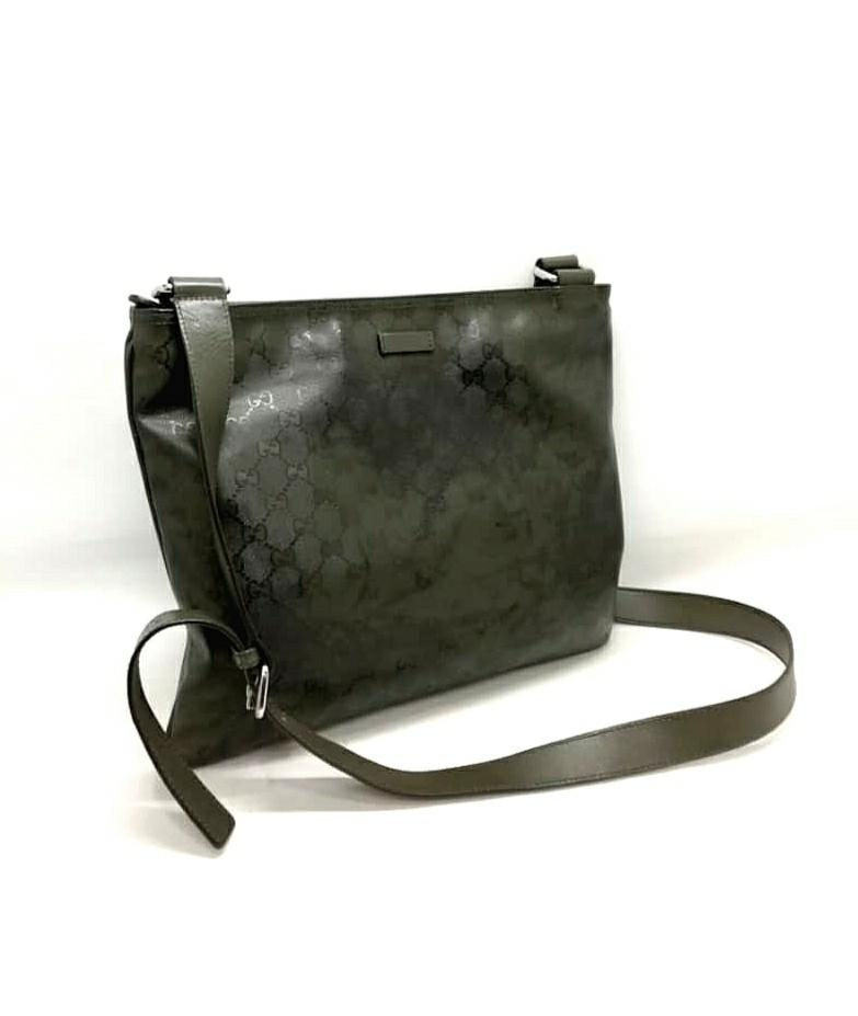 AUTHENTIC GUCCI GG  MONOGRAM LOGO SLING MESSENGER BAG - CLEAN INTERIOR, OVERALL GOOD - (BOUGHT AROUND RM 4000+)