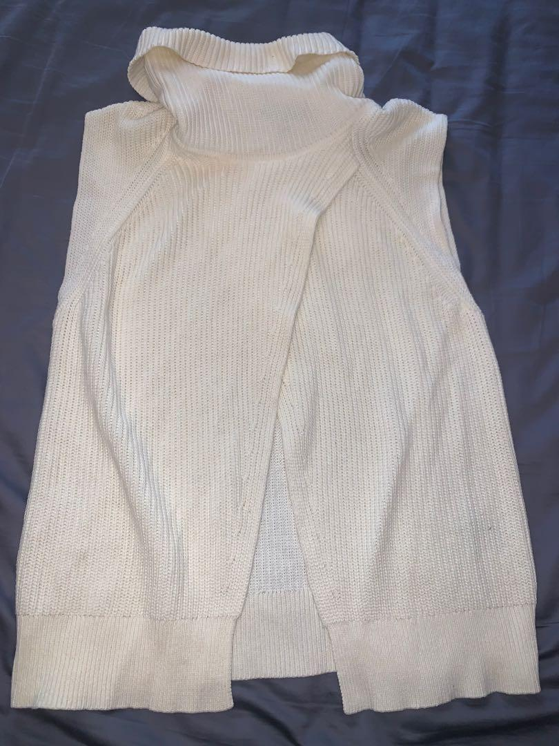 Banana Republic Sleeveless turtle neck sweater size xs