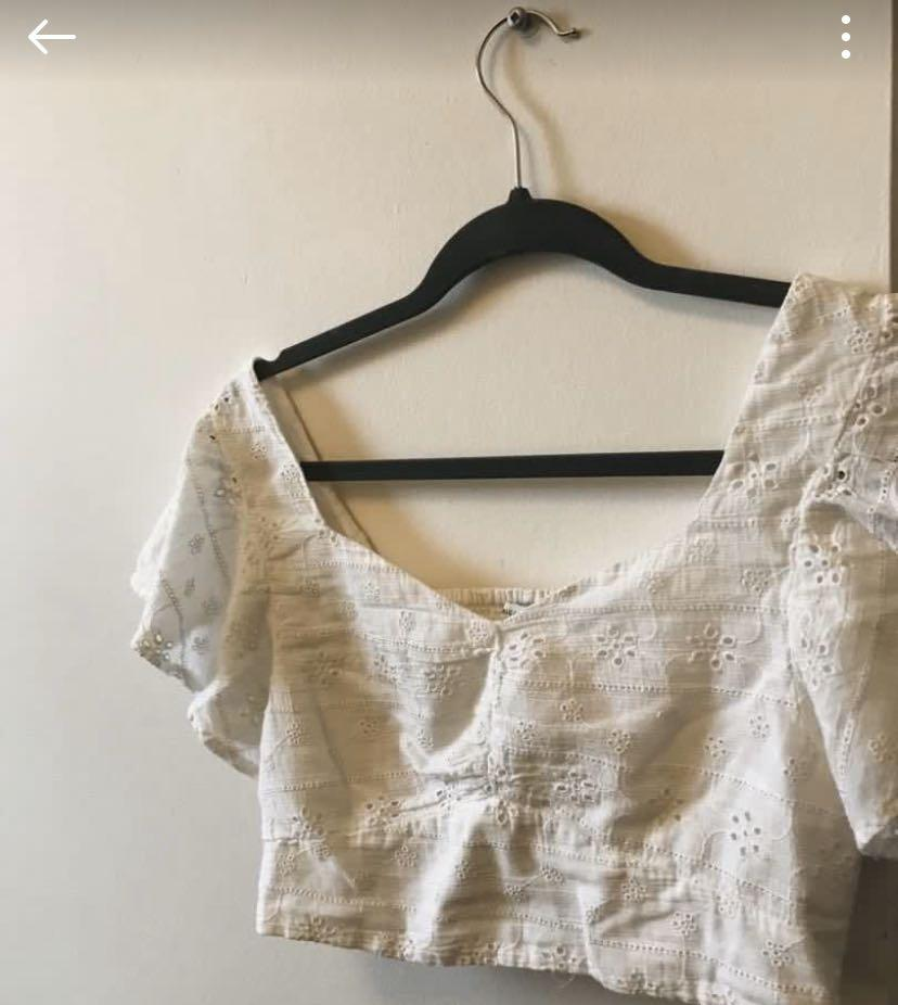ISO: American Eagle Short Sleeve cinch crop white top