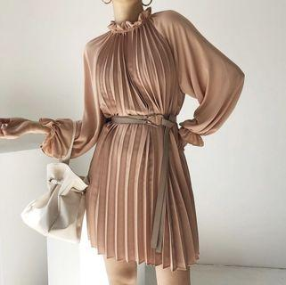 🇰🇷韓國空運預訂✈️荷葉邊燈籠袖線條皺摺洋裝