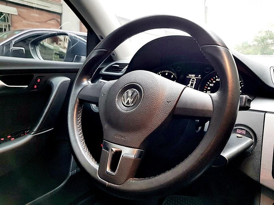 2011年Volkswagen Passat 1.8 TSI新車價120萬