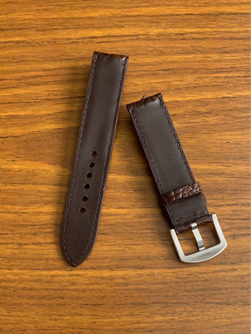 20mm/20mm Authentic Pecan Brown True Hornback Crocodile 🐊 Alligator Watch Strap  (super unique and beautiful, once sold no more👌🏻) Standard Length- L:125mm S:75mm  [first hole is 5.9cm away from lug, suitable for big wrists] [horn on both long and short]