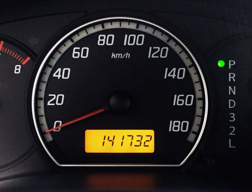 五門掀背小車 銷售冠軍之一 2007 SWIFT 歐式的車身外觀與便利的內裝配備 強健的底盤懸吊造就其優異的銷售成績