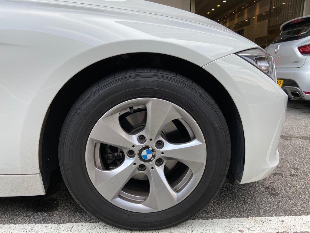 BMW 320 i Auto
