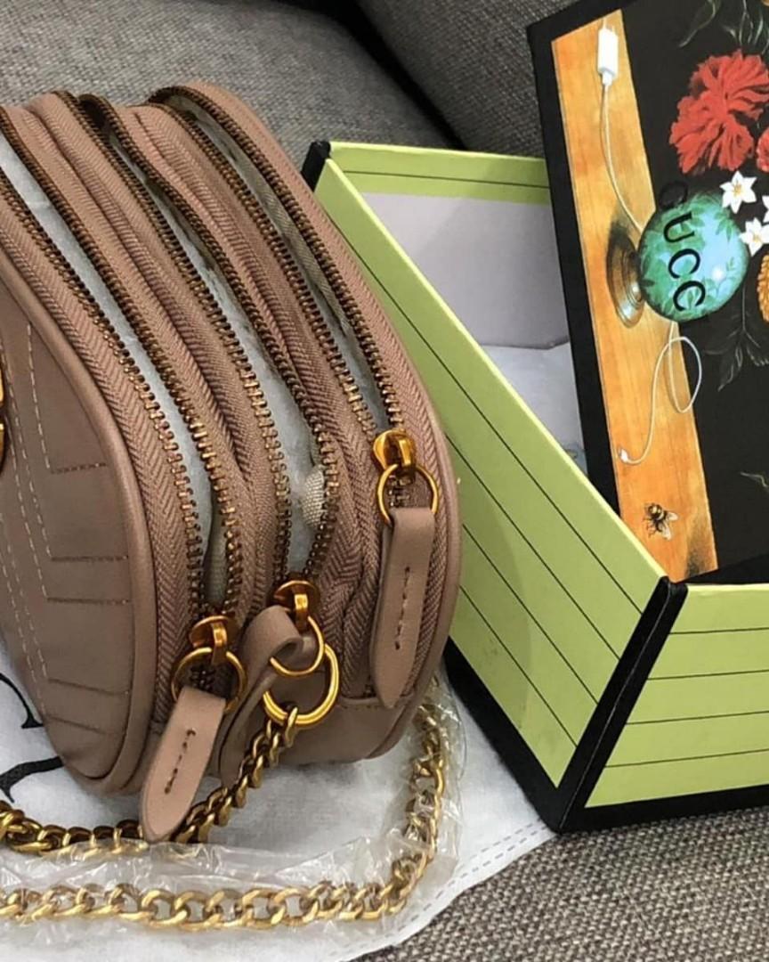 Gucci Marmont slingbag bahan kulit, Size small slingbag kondisi dlm persen 98% baru,Like New