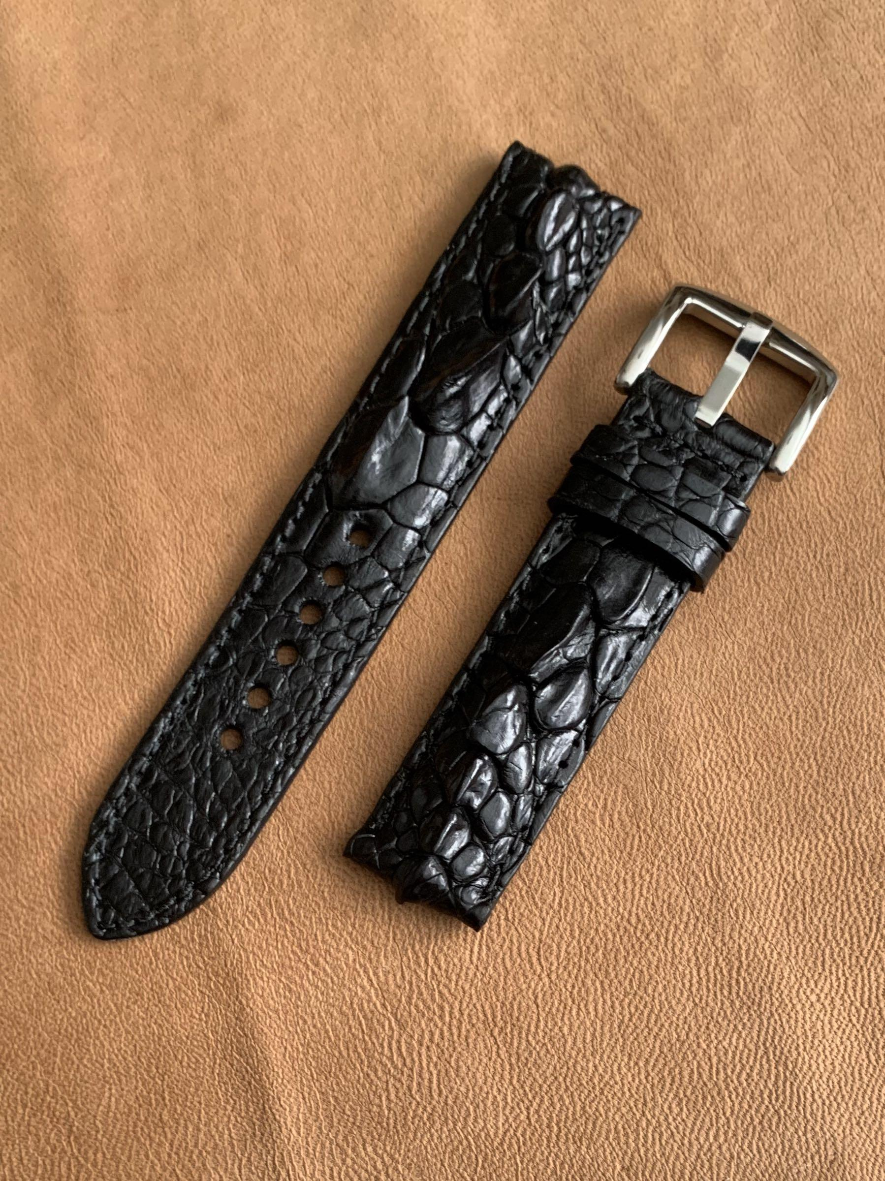 20mm/20mm Black Genuine Hornback Alligator 🐊  Crocodile Watch Strap  (scarce and gorgeous, one of a kind 👍🏻😊) Standard Length- L:125mm S:75mm  [first hole is 5.9cm away from lug, suitable for big wrists]