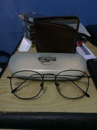Kacamata Minus 1
