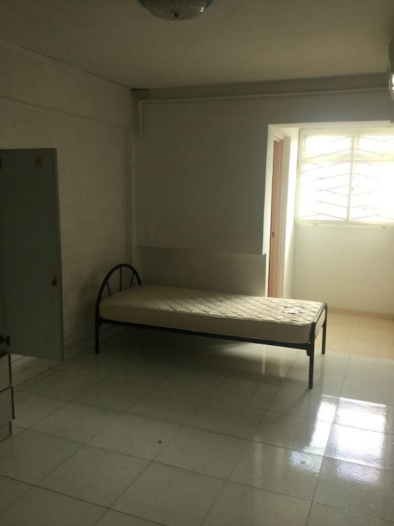 Hdb 3 Room Flat: 3 Mins Boon Keng MRT Blk 22 HDB Flat W 3 Rooms, Furnished