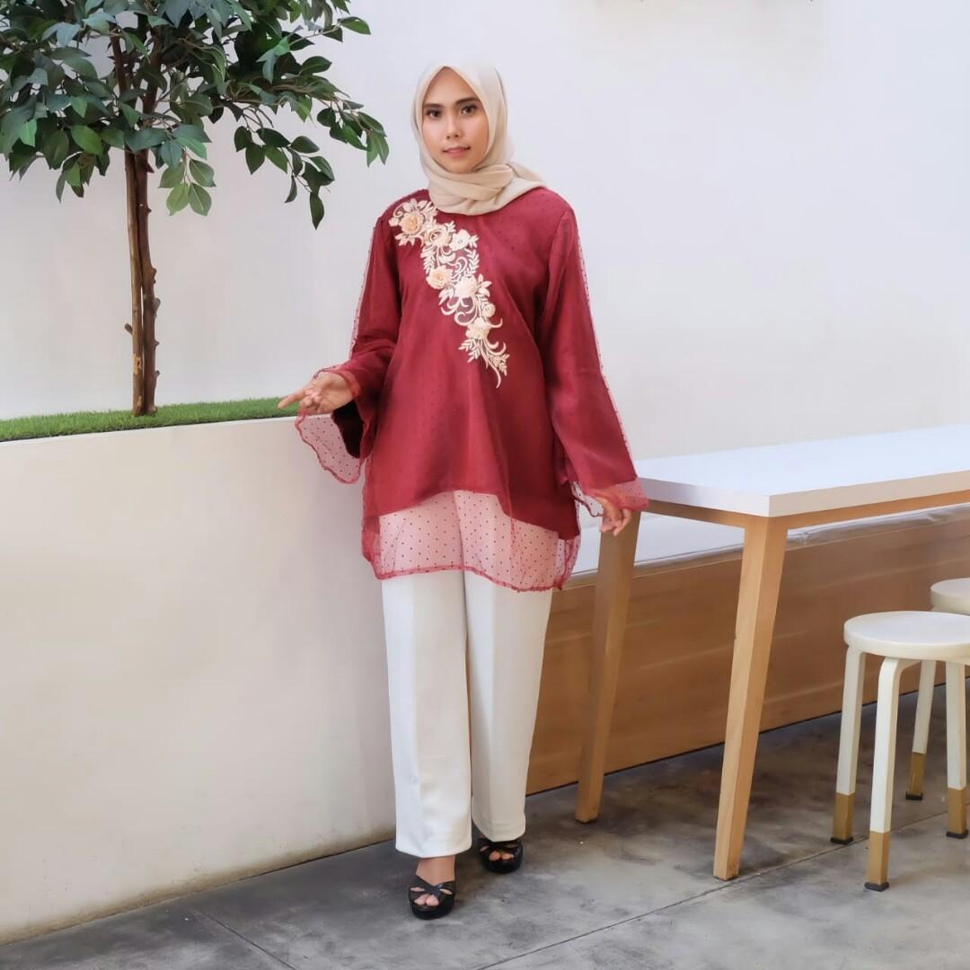 Cuci Gudang Baju Kondangan, Dress Kondangan, Kebaya Wisuda, Kebaya Modern, Kaftan Lebaran - Lilyan Marun