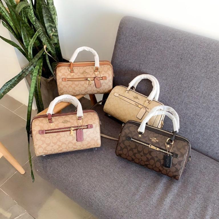 New Products?? Coach Counter New Pillow Bag ~ Super Wild! The classic timeless style can be carried on the shoulders! Cl