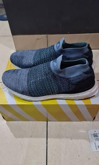 Adidas Ultraboost Laceless Parley