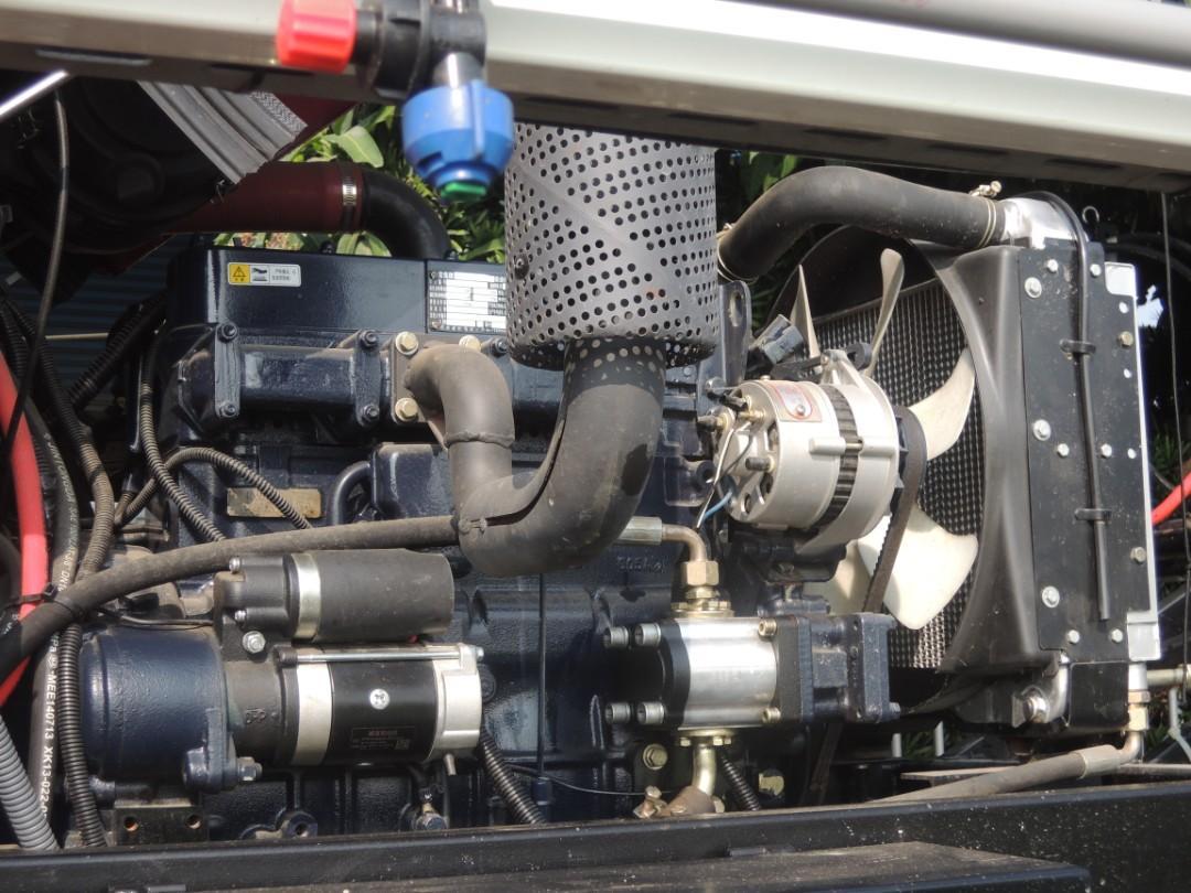 東風3WP-700B自走式噴杆噴霧機