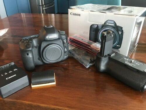 Canon 5d Mark iii DSLR with 24-120mm VR + Tamron 70-300mm Lenses+ 20pc Bundle