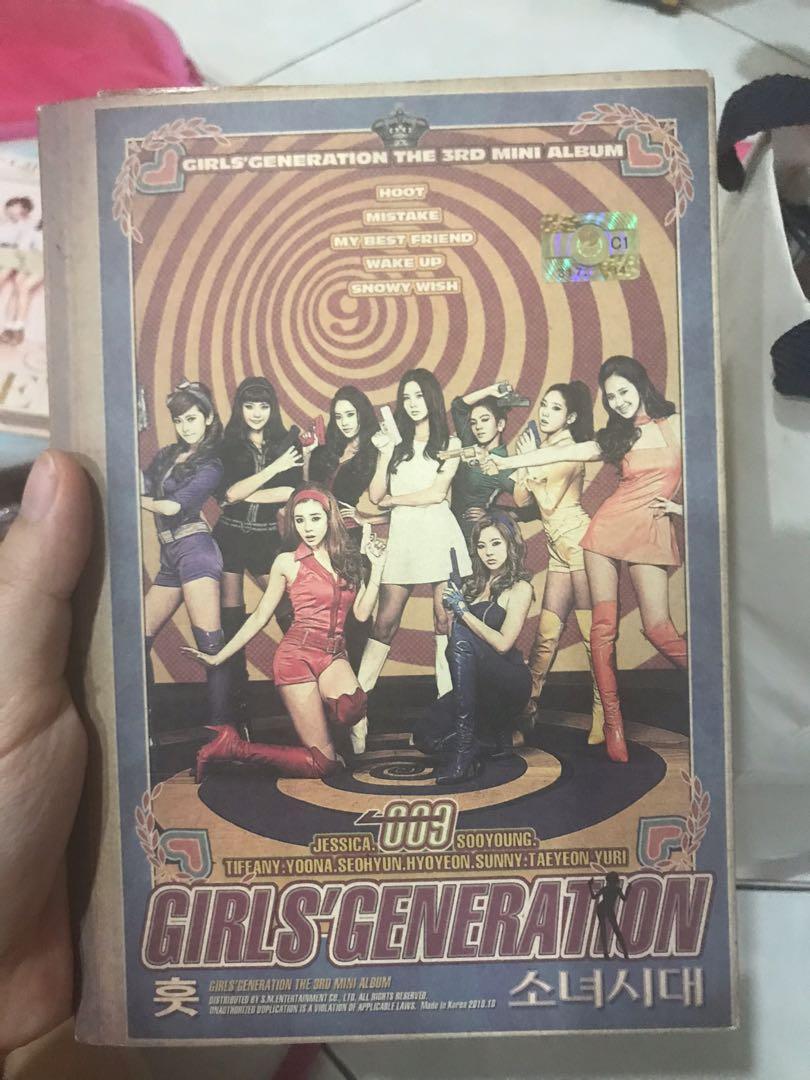 GIRLS GENERATION SNSD HOOT 3rd Mini Album + Yuri Official Photocard