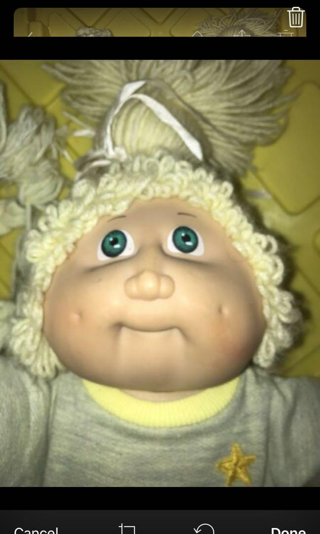 Pair of original condition large cabbage patch kids dolls. 1984 *MAKE AN OFFER*