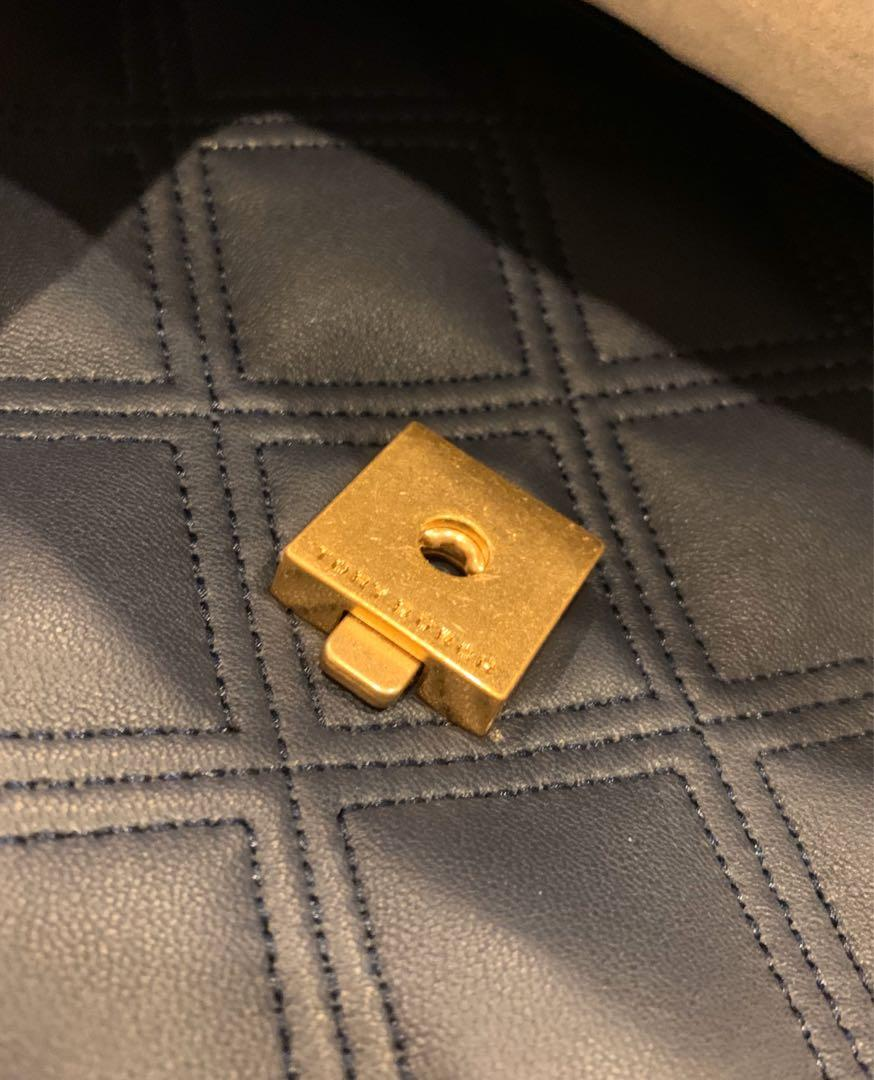 Ready stock Authentic Tory Burch Fleming soft convertibles shoulder bag in Navy