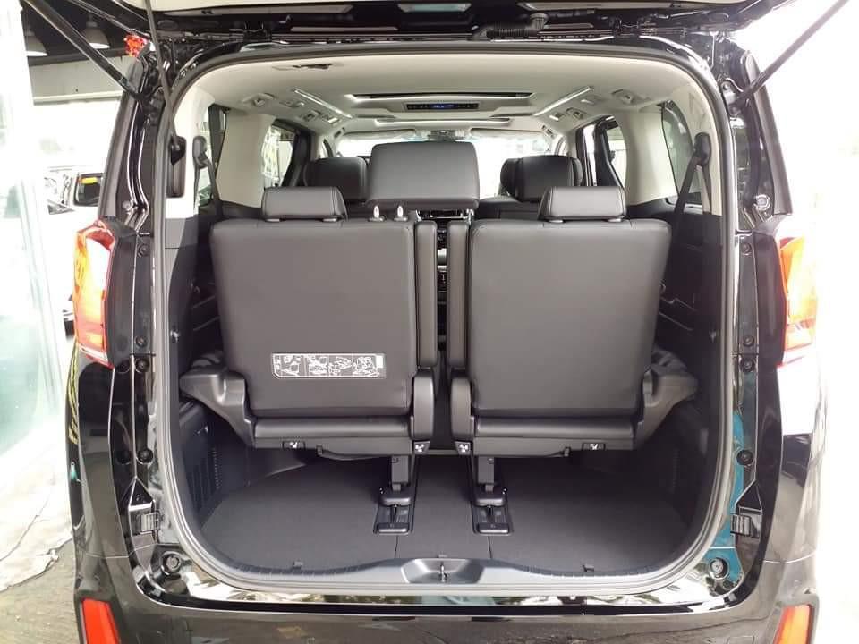 Toyota Alphard 2.5 SC Manual
