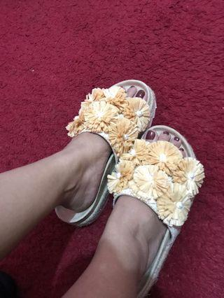 Sandal the goods dept