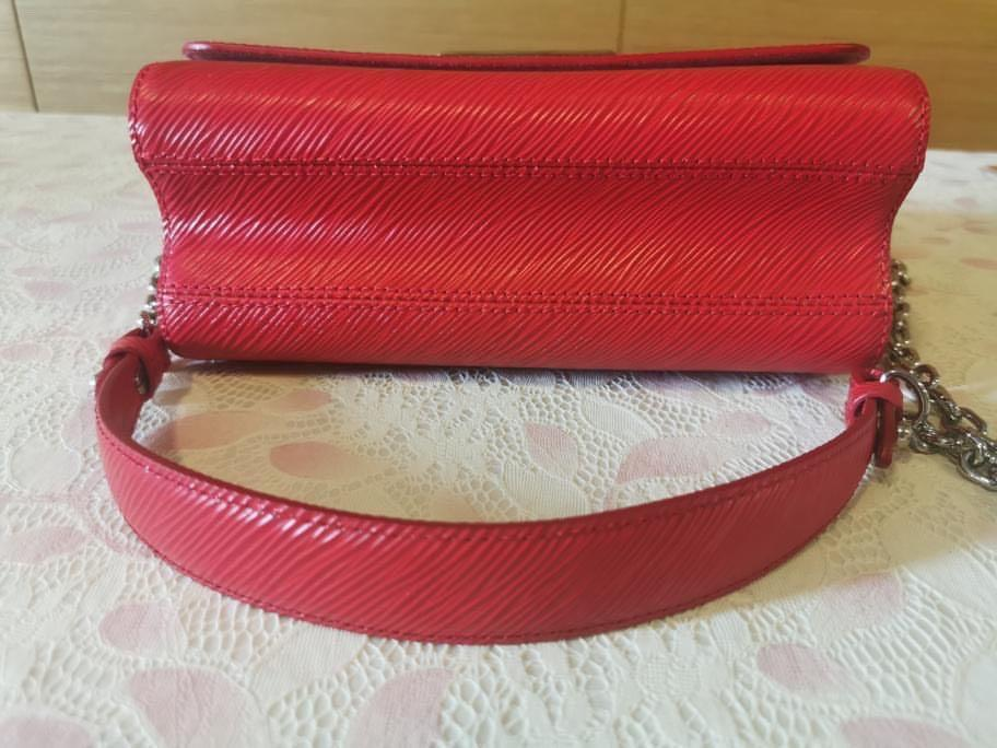 AUTHENTIC LV LOUIS VUITTON Epi Leather Twist MM Crossbody Shoulder Sling Bag