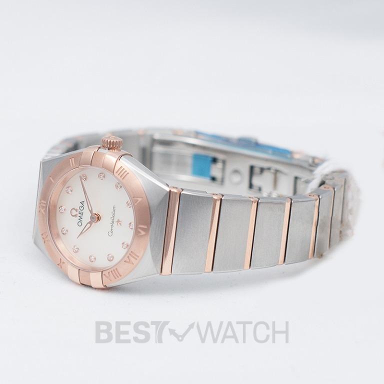 [NEW] Omega Constellation Manhattan Quartz 25mm Quartz White Mother Of Pearl Dial Diamonds Gold Ladies Watch 131.20.25.60.55.001