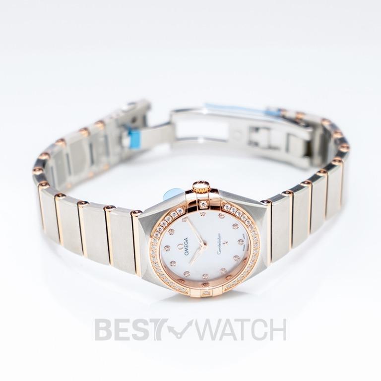 [NEW] Omega Constellation Manhattan Quartz 28mm Quartz White Dial Diamonds Gold Ladies Watch 131.25.28.60.55.001