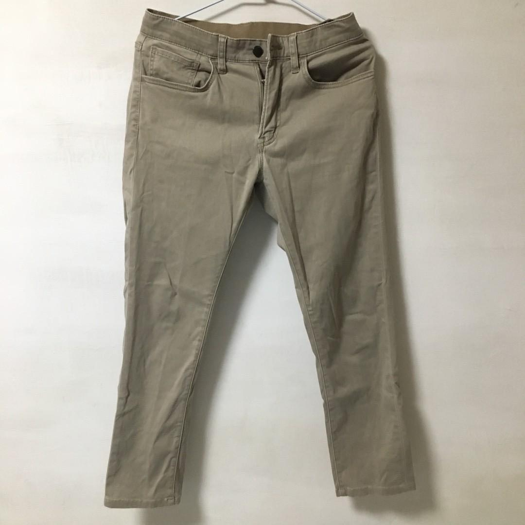 Uniqlo ezy skinny fit 卡其褲M