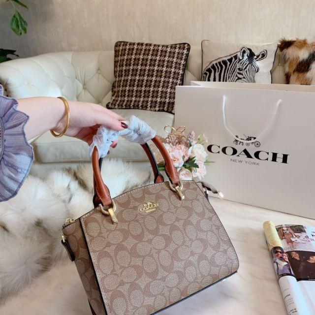 Purchasing coach /  Chi classic Boston bag PVC color matching Dai Fei bag single shoulder messenger bag female bag 3 colors optional large capacity bag
