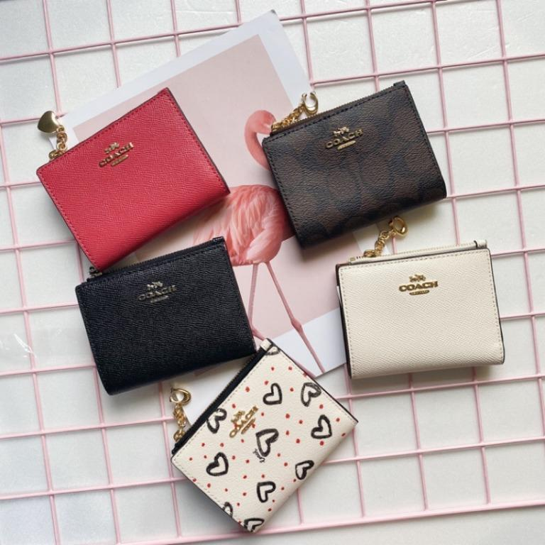 Spot ?? US purchasing ???? Counter Coach short clip can place thousands of banknotes flat ?? Super cute zipper!