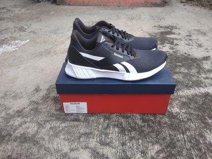 Sepatu Reebok Lite Plus 2.0