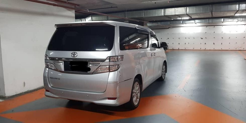 SEWA BELI BERDEPOSIT>>Toyota Vellfire 2.4 8 SEATERS 2013