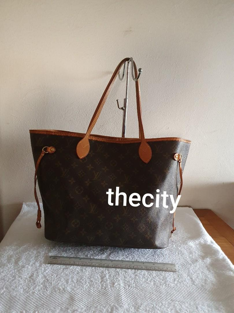 AUTHENTIC LOUIS VUITTON NEVERFULL MM SIZE - MONOGRAM LOGO CANVAS - CLEAN INTERIOR - OVERALL GOOD - (RETAILS RM 6300)