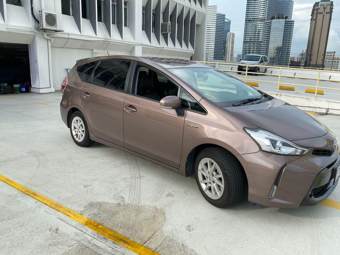 No deposit / contract ( Toyota Prius alpha hybrid )